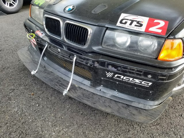 Front splitter supports