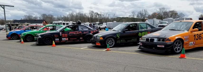 GTS2 cars waiting on grid