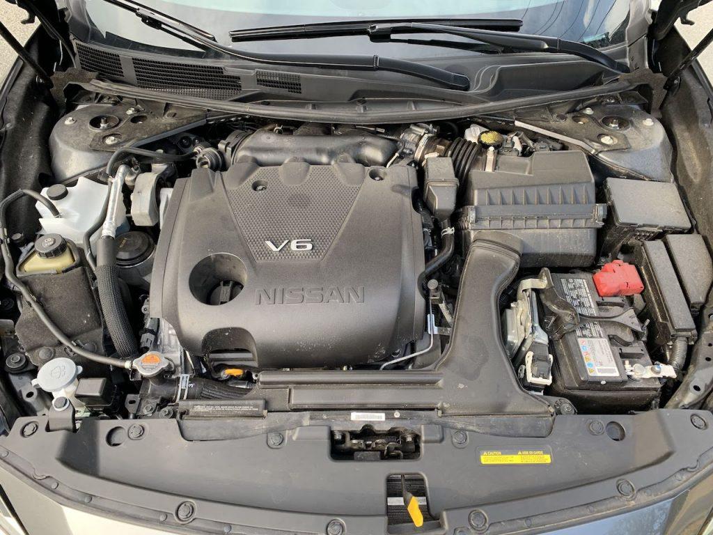 2019 Nissan Maxima SV engine