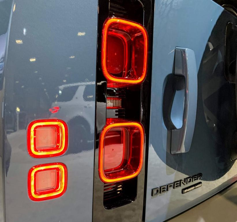 2020 Land Rover Defender tail light