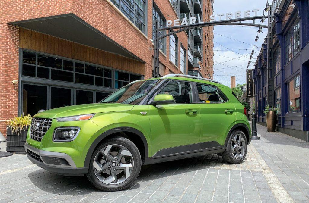 2020 Hyundai Venue Green Apple front