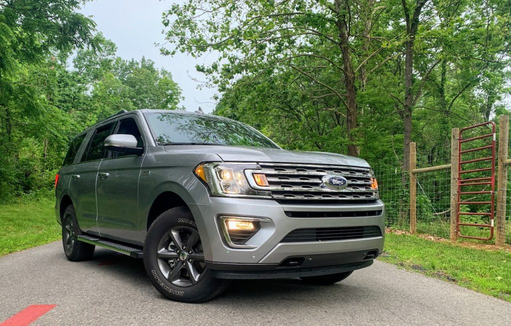 2020 Ford Expedition front