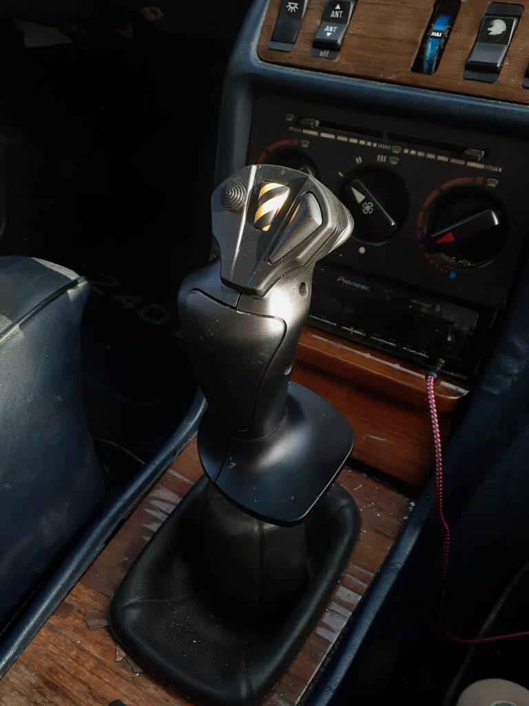 Flight stick gear knob in the Mercedes