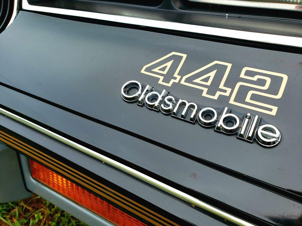 1986 Oldsmobile 442 trunk badge