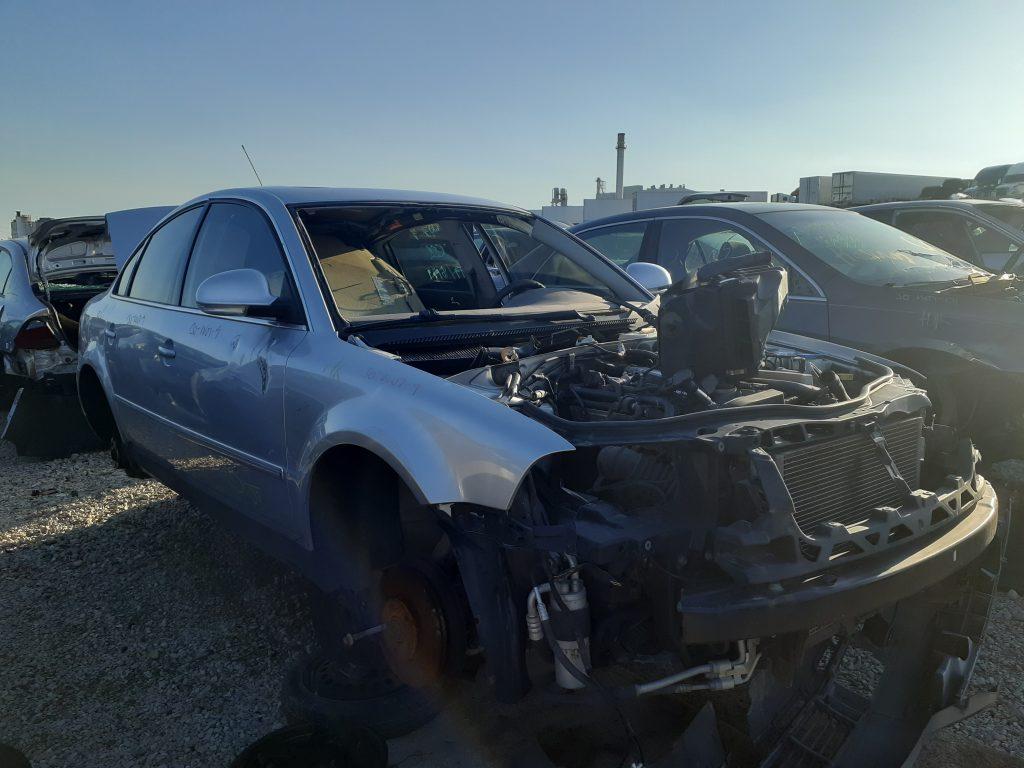 Volkswagen Passat W8 manual junkyard
