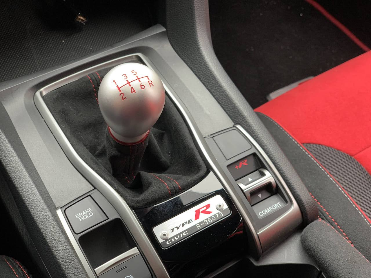 2020 Honda Civic Type-R shifter