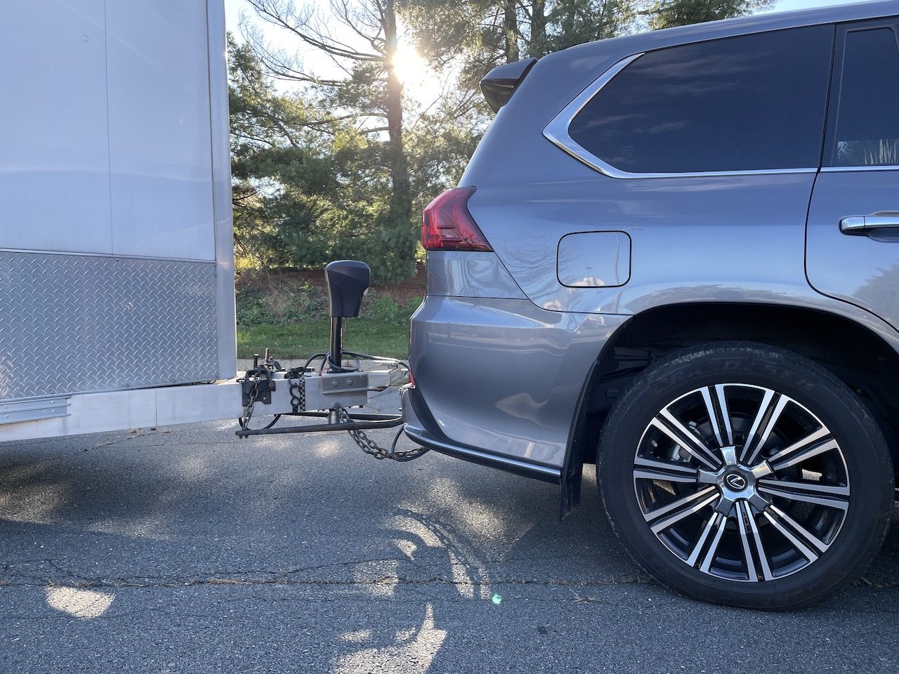 2020 Lexus LX 570 towing hitch